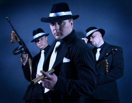 pandilleros: Tres pandilleros.