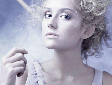 fille hiver: Hiver Girl avec belle make up avec battant cintres