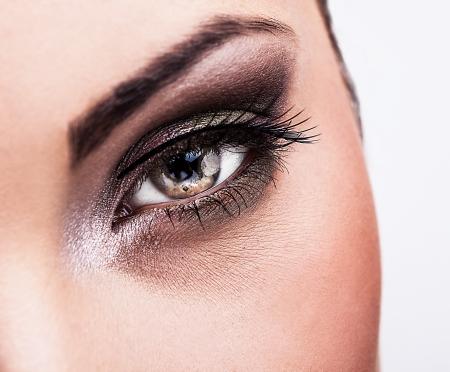 maquillaje de ojos: La mujer ojo con maquillaje hermoso Foto de archivo