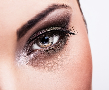 eye lashes: Woman eye with beautiful makeup