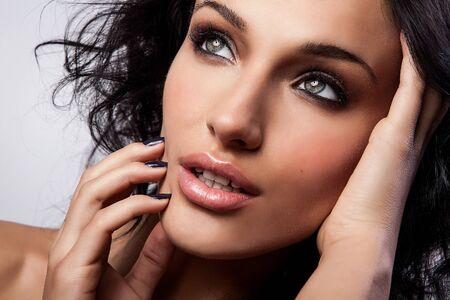 ojos hermosos: Retrato de una belleza joven Close-up Fotos