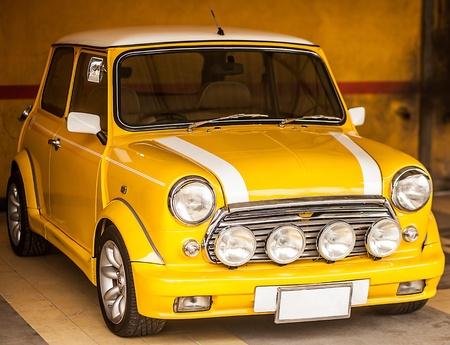 cooper: Classic yellow Mini