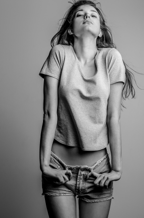 아름 다운 젊은 여자 스튜디오 사진 스톡 콘텐츠