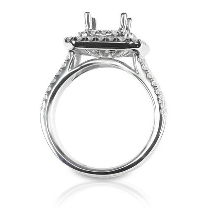 Halo DIamond Engagment Wedding Ring Setting side view. No stone set. Isolated on white. Archivio Fotografico