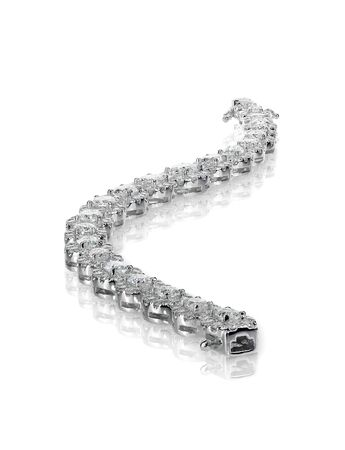 diamante: Pulsera brazalete de diamantes de tenis aislado en blanco