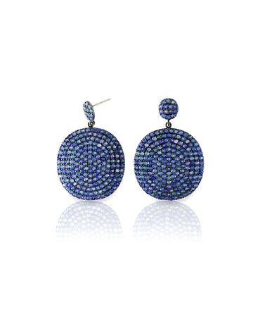 zafiro: pendientes de zafiro azul aislado en blanco
