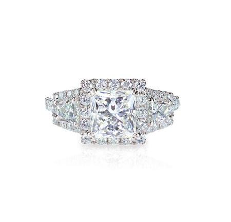 ringe: Diamant Solitär engagment Ehering isoliert auf weiß