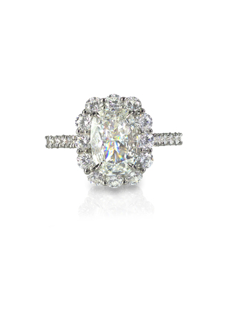 Diamond solitaire engagment wedding ring isolated on white 版權商用圖片 - 54802277