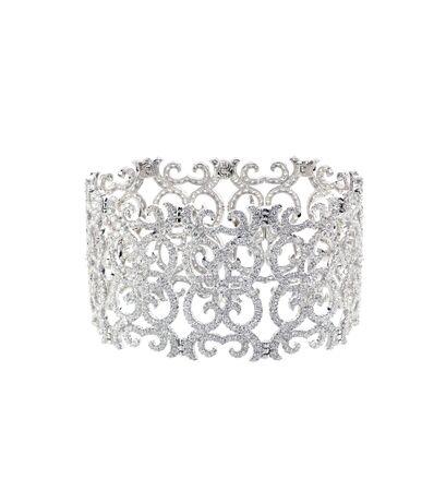 Elaborate filigree diamond bracelet isolated on white 版權商用圖片