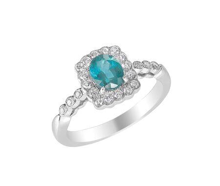 aquamarine center stone ring with diamond halo isolated on white 版權商用圖片
