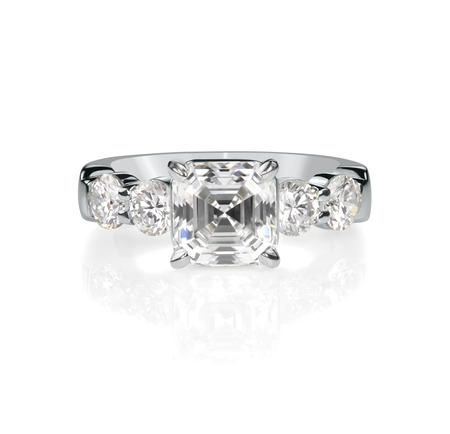 Asscher cut diamond engagment bridal wedding ring. Фото со стока - 108120769
