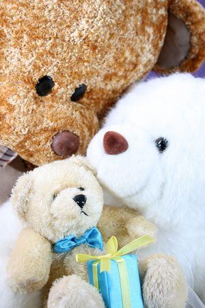 teddy bears: marr�n, blanco y beige con los osos de peluche de regalo