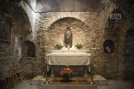vierge marie: La Maison de la Vierge Marie est le lieu o� Marie a pass� ses derniers jours �ditoriale