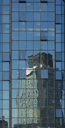 diagonals: Building Site mirrored by Glass Facade