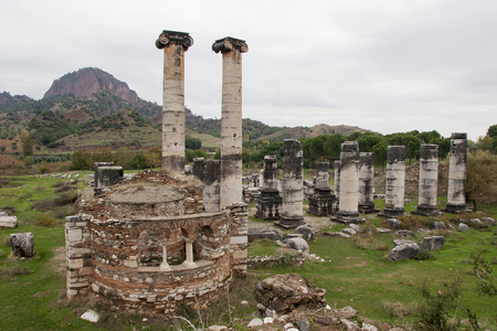 sard: Ruins of the ancient temple in Sardis, a city of the Roman Empire now located in Turkey
