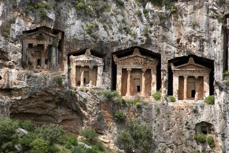 tumbas: tumbas rupestres de Cauno Foto de archivo