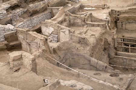 Catalhoyuk, Konya - Maart 23,2014: Oudste stad in de wereld in Turkije. Het is het grootste en best bewaarde neolithische site hebben gevonden tot op heden bestond ongeveer 7500 voor Christus.