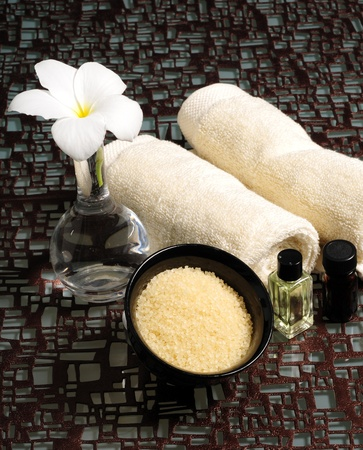 salts: Spa experience with aromatherapy and bath salts