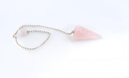 new age: nuevo cristal edad accesorio p�ndulo que es una piedra de cuarzo rosa rosa