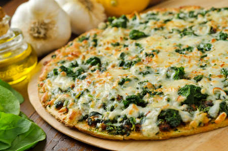 Spinazie Pizza Stockfoto