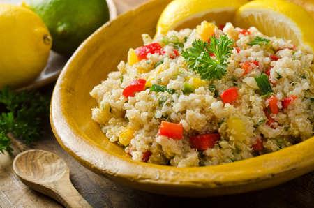 quinua: Ensalada de la quinoa Foto de archivo