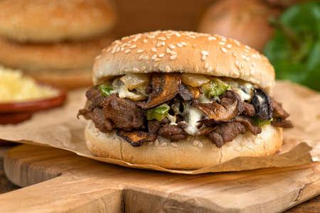 Steak et fromage champignons Melt Banque d'images - 24048513