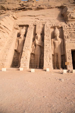 Ancient Egyptian temple built by Ramses II, dedicated to his wife Nefertari, sculpted in the stone of the mountain, in Abu Simbel next to Lake Nasser in Nubia, Egypt, Africa 版權商用圖片