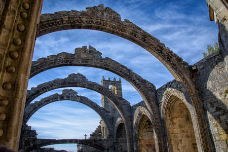 Petenecients stone arches to the remains of a church, in the cemetery of Cambados, Rias Bajas, Pontevedra, Galicia, Spain, Europe. Banque d'images