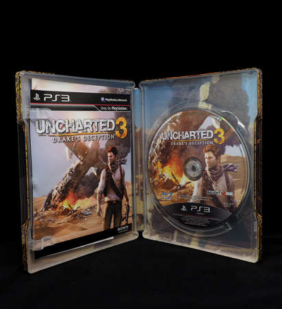 bluray: Playstation 3 Blu-Ray Disc : Uncharted 3 Steel Box Editorial