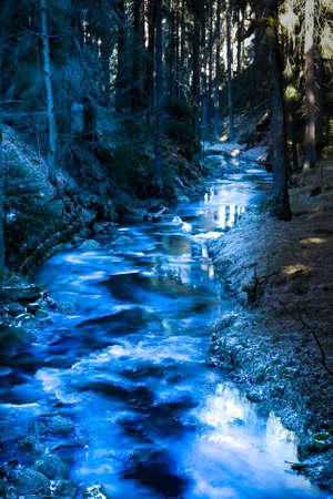 ice on the stream Banco de Imagens
