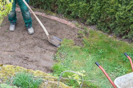 sward: Gardening, remove of the old grass sward