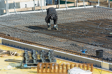 Velbert, Nrw, Germany - March 17, 2016: Preparation for concrete work construction of a residential and commercial building in Velbert city. 新聞圖片