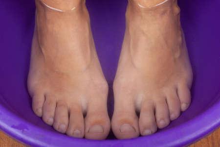 feet in hot water,foot bath