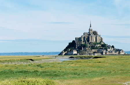 Overview of The mont Saint-michel in Normandy, France and coastal landscape  Reklamní fotografie