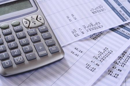 Close-up van de payroll samenvatting detail met cijfers en euro