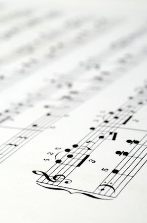 musique partition: Gros plan de Musique de fond: notes de piano Banque d'images
