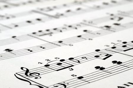 partition musique: Gros plan de Musique de fond: notes de piano Banque d'images