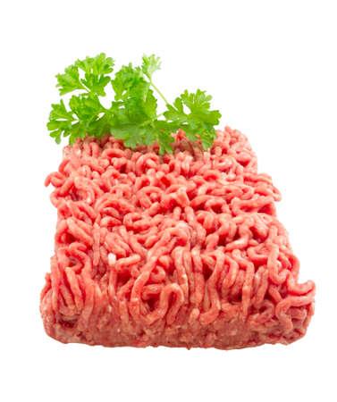 生のひき肉。白で隔離