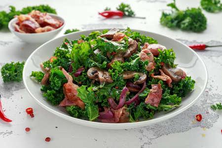 Homemade Kale Mushrooms, Bacon salad with chilli and balsamic vinegar dressing Archivio Fotografico - 108186734