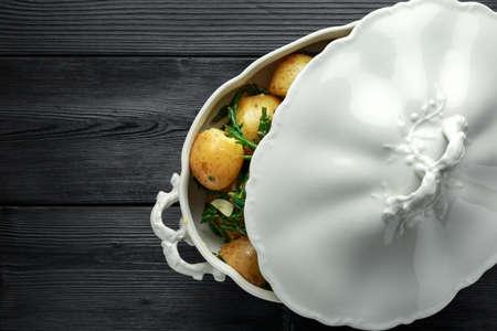 Boiled new potato with fresh samphire and garlic Stock Photo - 118598967