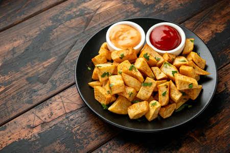 Patatas bravas traditional Spanish potatoes snack tapas 스톡 콘텐츠