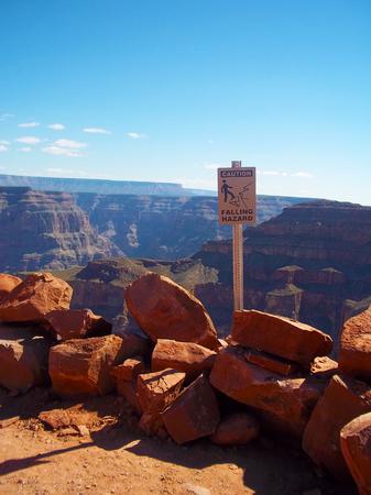 achtung schild: A Vorsicht Zeichen auf Guano-Point, Grand Canyon