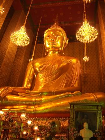 chinatown: Buddha Statue In Wat Kanlayanamit Woramahawihan