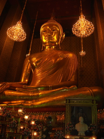 Buddha Statue In Wat Kanlayanamit Woramahawihan  photo