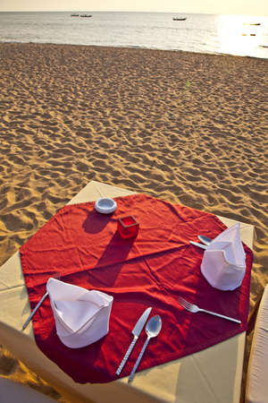 A Table is ready for Dinner at the Beach Imagens