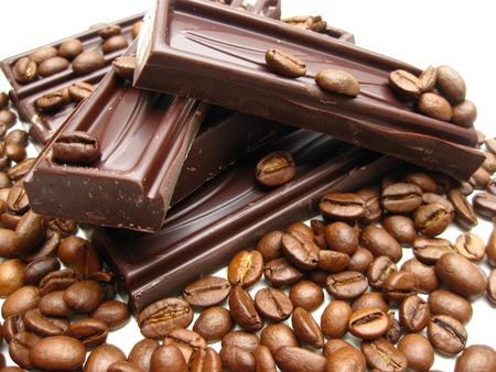 cafe bombon: trozos de chocolate puro de los granos de caf�