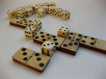dominoes and dices