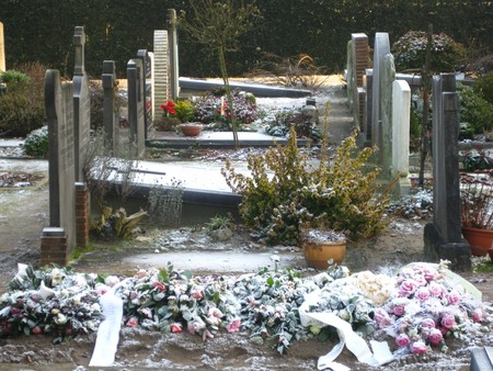 mortal: Cemetery in the Netherlands