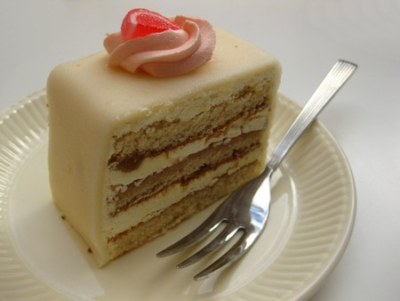 white marzipan liquor cake