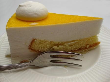 mango cheese cake Stock Photo - 4357592